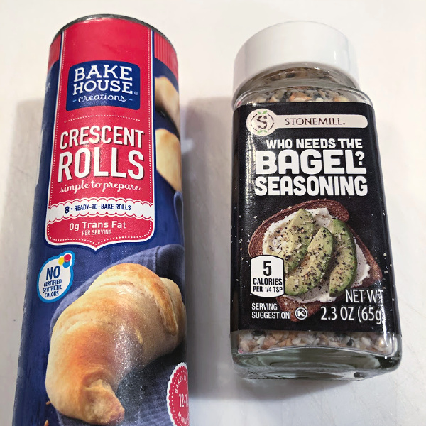 aldi crescent rolls and everything bagel seasoning