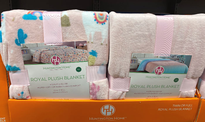 Huntington Home plush blankets at ALDI