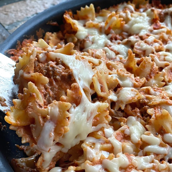 cheesy pasta skillet in this week's Mashup Mom meal plan from ALDI