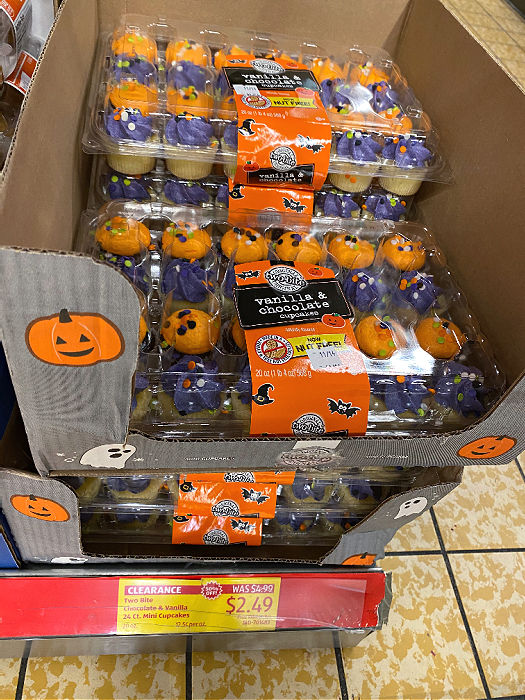 clearance halloween cupcakes at ALDI