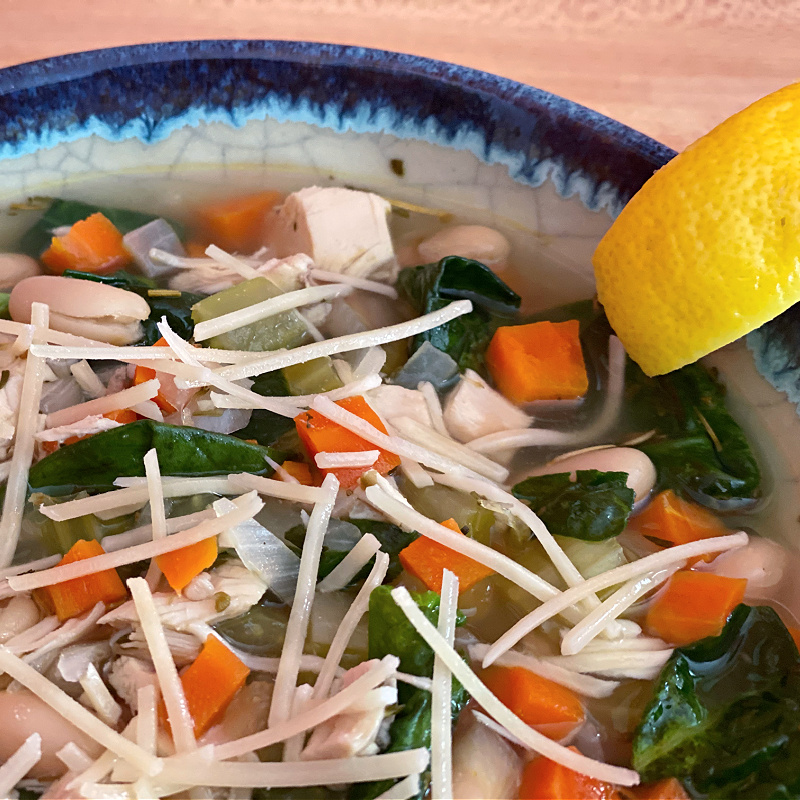 tuscan style chicken & white bean soup