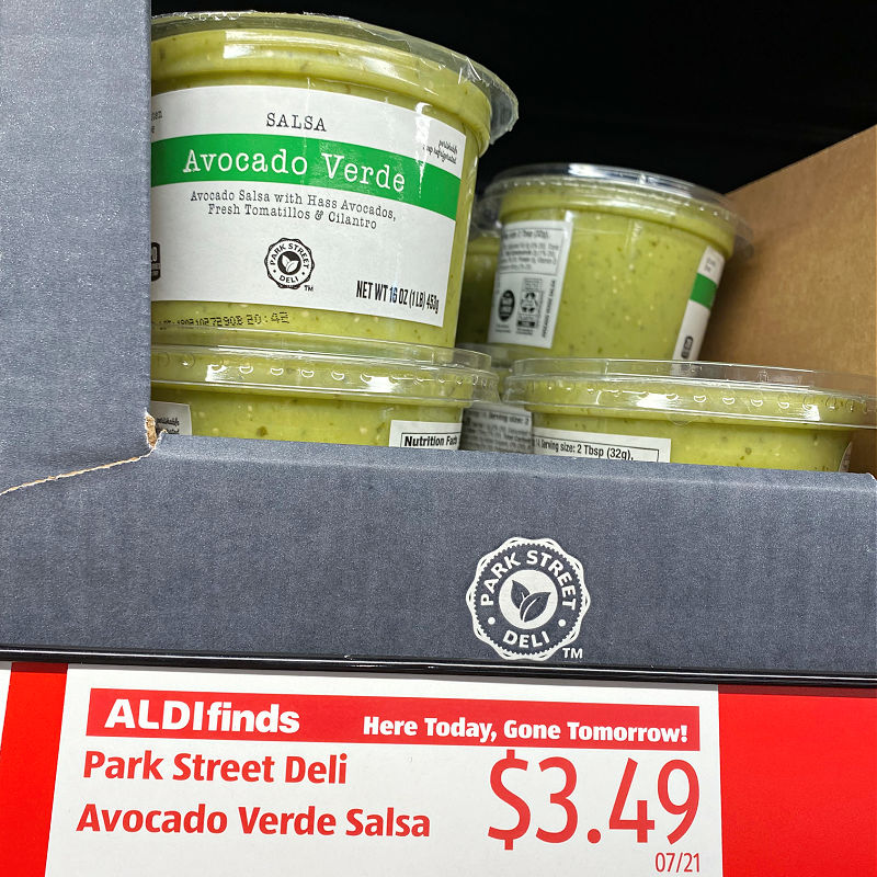 avocado verde salsa at ALDI in this week's Finds